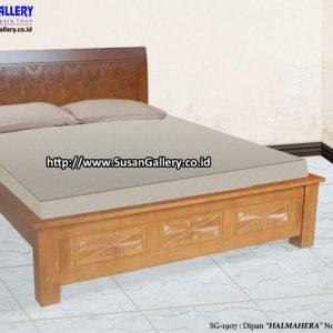 Tempat Tidur Jati Halmahera
